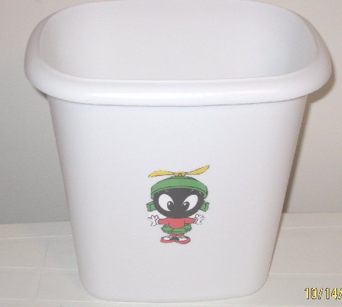 Marvin the Martian Trash Can