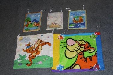 5 Winnie the Pooh Wall Hangings
