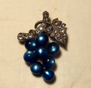 Moonglow Lucite Grape Brooch