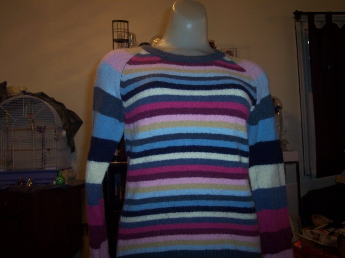 Soft Xhilaration Sweater - Medium