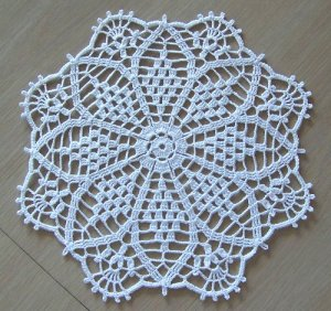 "11"" Crown Jewels doily"