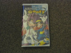 Disney's An Extremely Goofy Movie VHS Video in Clamshell #600452