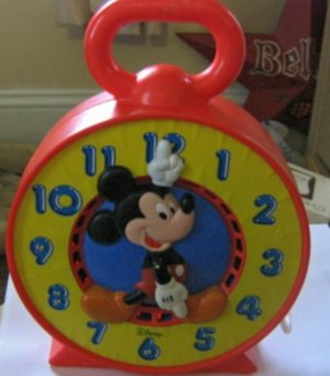 Vintage 1981 Disney Mickey Mouse Clock Pull Ring Toy Rare #600565