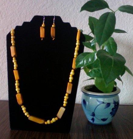 Long Rectango Necklace & Earrings- Lite Yellow