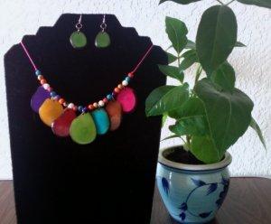 Tagua Necklace & Earrings - Multicolor Petal