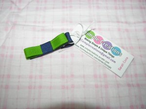 B73-1- Green and Navy Blue Simple Clip