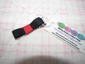 C13- Red & Black Simple Clip