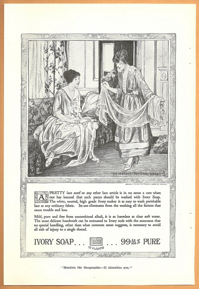 ORIGINAL 1918 IVORY SOAP AD WITH TWO LOVELY LADIES IN THE PARLOR