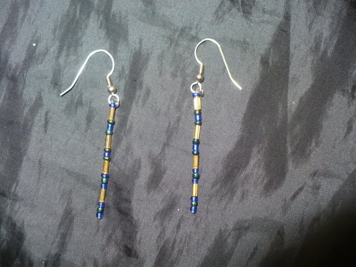 simple drop earrings made of blue seed beads and gold colored bugle beads