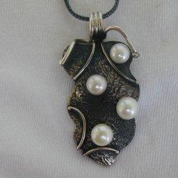 Silver-pearls pendant