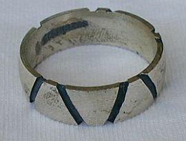 Man silver strips ring