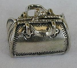 Dr's bag silver miniature