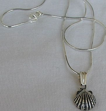 Mini shell pendant