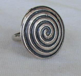 Maze ring