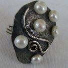 6white pearls ring