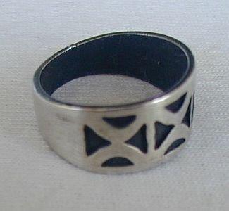 Geometric ring-B