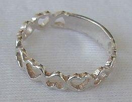 Hearts-B ring