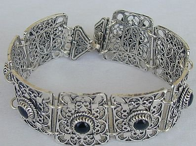 Oynx magic bracelet-B