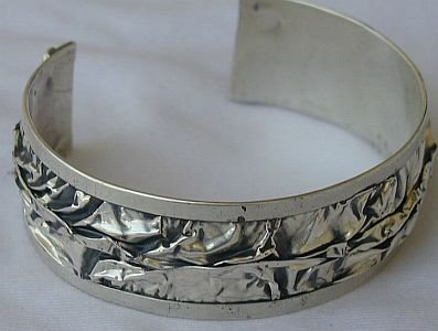 Carving bangle