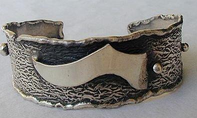 Silver bangle-C