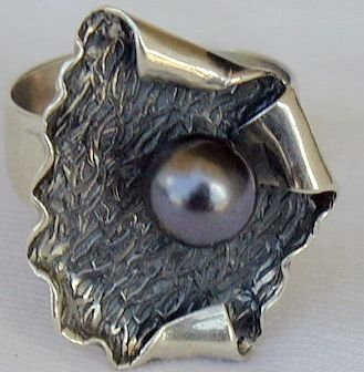 Black pearl ring-A