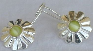 Mini  peridot sun earrings