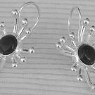 Black prickle earrings
