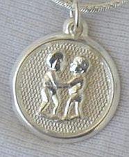 Gemini round pendant