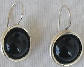 Black round earrings