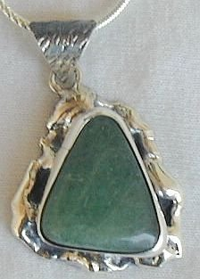 Green pendant-HM9