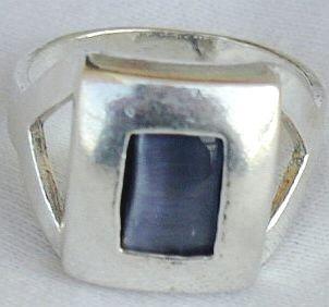 Gray cat eye ring