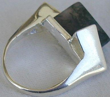 Malaysian triangle ring