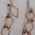 Dangling Rhombus earrings