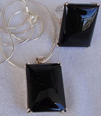 A black agate set-ring&pendant