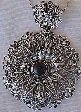 Classic onyx- silver pendant