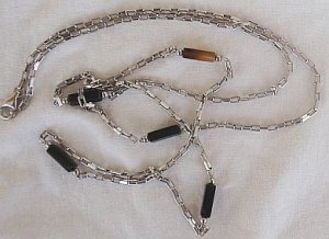 Fashion silver- black links necklace