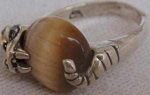 Brown cat eye silver ring