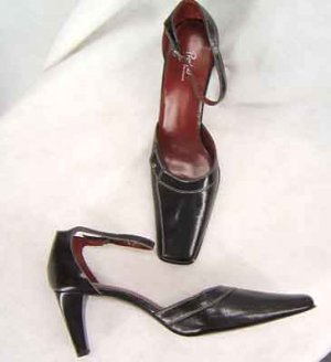 New Preview International  Black Pumps Shoes 11M