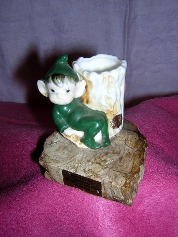 Pixie on petrified Ginkgo Cedar china toothpick holder souvenir 1095vf