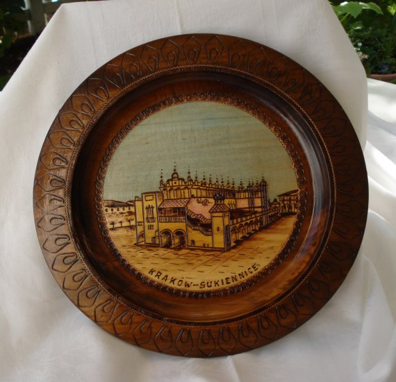 Krakow Sukiennice carved wooden souvenir plate vintage 1147vf