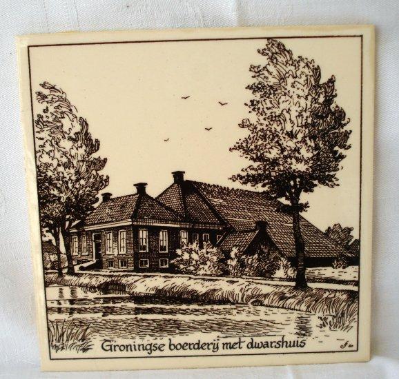 Groningse Boerderij met Dwarshuis souvenir ceramic tile or trivit vintage 1150vf