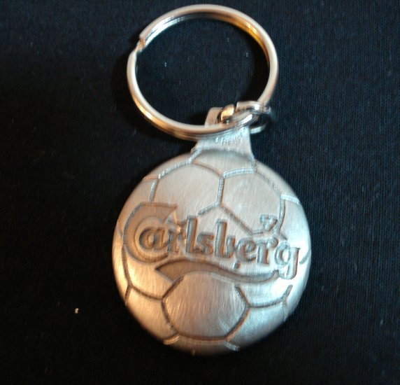 Carlsberg beer soccer ball pewter key chain mint condition advertising vintage1169vf