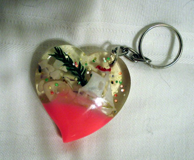 Cancun Mexico lucite souvenir key chain embedded sailboat as new vintage 1232vf