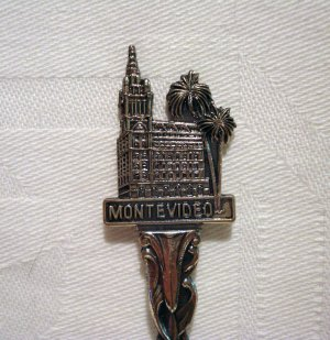 Montevideo silver plated souvenir spoon vintage figural city hall 1255vf