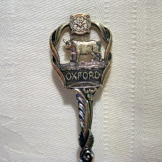 Oxford England silverplated souvenir spoon cow crown thatched cottage in bowl vintage 1292vf