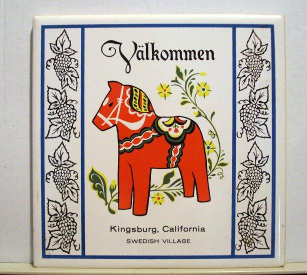 Valkommen souvenir tile Dala red horse Kingsburg, California Swedish Village vintage1383vf