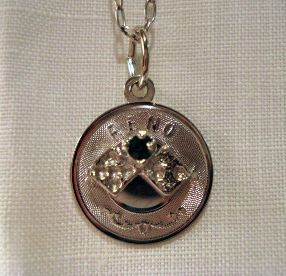 Reno Nevada pendant necklace Crea sterling silver dice sapphire as new 1421vf