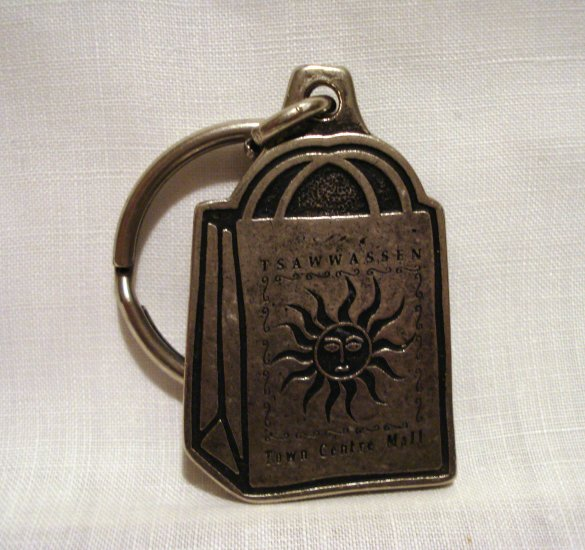Good Things Come in Mall Packages key ring pewter vintage Tsawwassen Town Centre Mall 1422vf