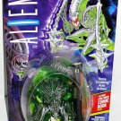 Aliens : MANTIS ALIEN action figure with Bone Crushing Arm by Kenner and Dark Horse Comic Book