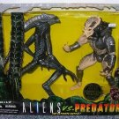 "Kenner 1996 Aliens vs. Predator The Ultimate Battle Set 10"" inch Action Figure 2 Pack New"